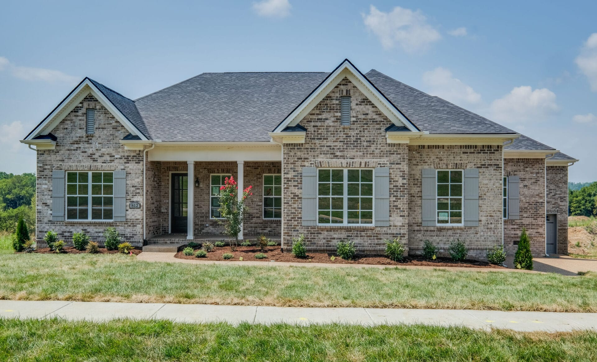 Nashville Ranch style homes by Middle Tennessee Home Ranch Builder.